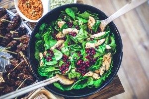 spinach-chicken-pomegranate-salad